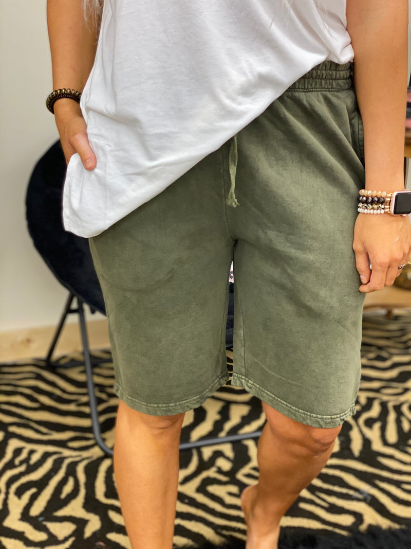 Its Just Simple Shorts OLIVE