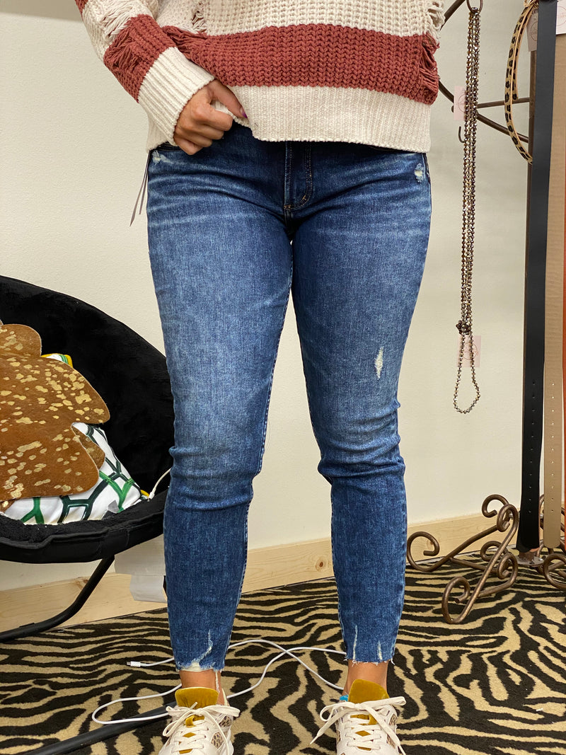"Elyse Mid Rise Skinny Jean By Silver 29"" and 31"""