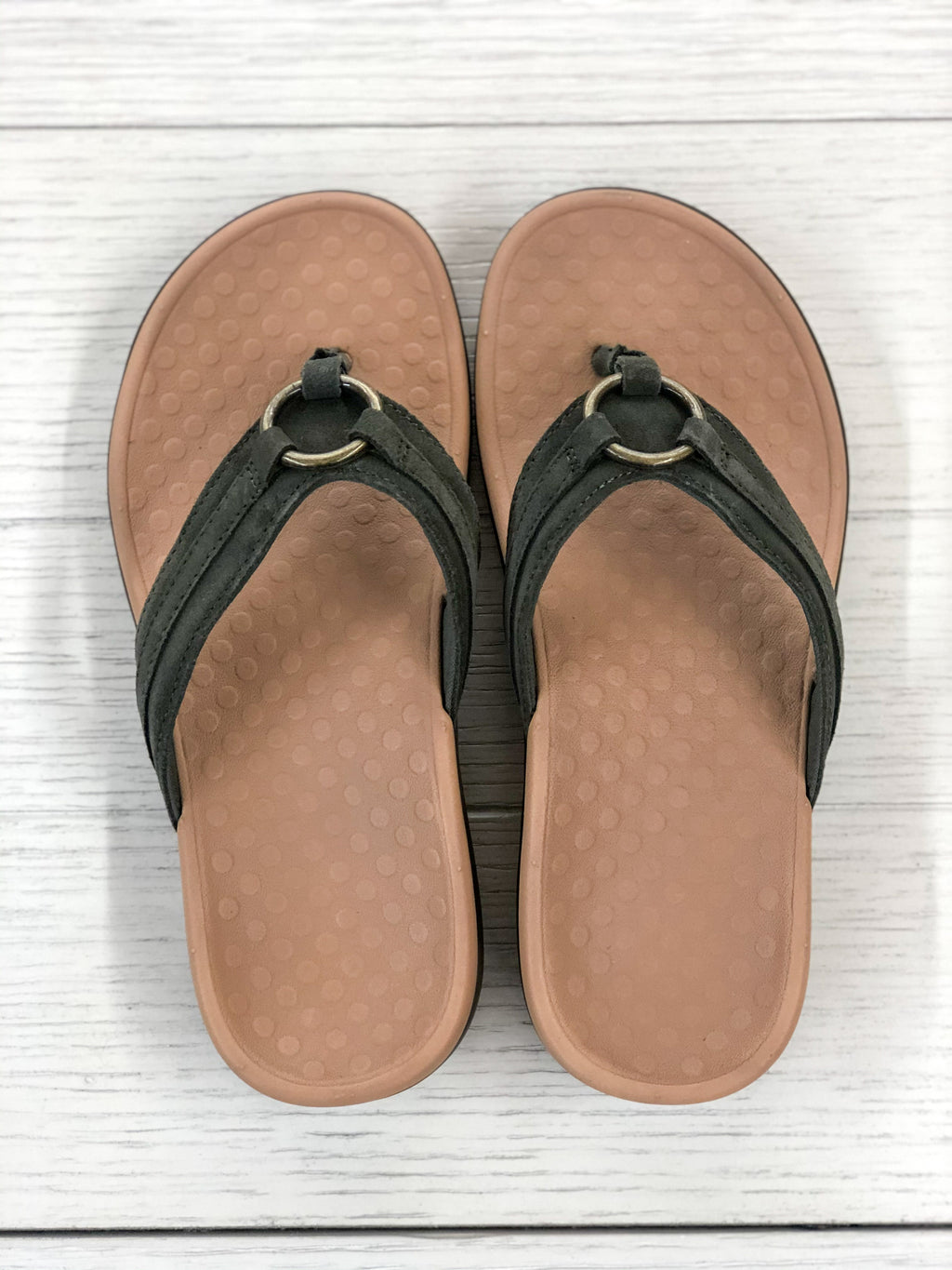 Tide Aloe Toe Post Sandal by Vionic