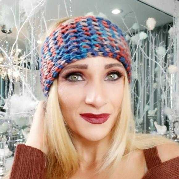 MULTI COLORED KNITTED HEADBAND