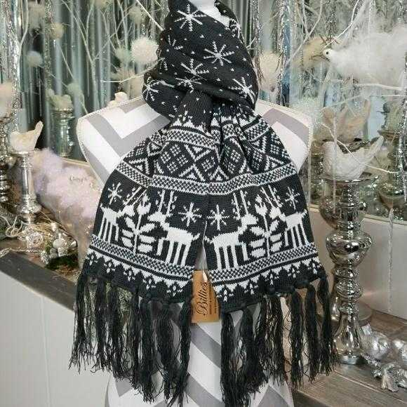 WINTER SCARF WITH FRINGE-gray | MODA ME COUTURE