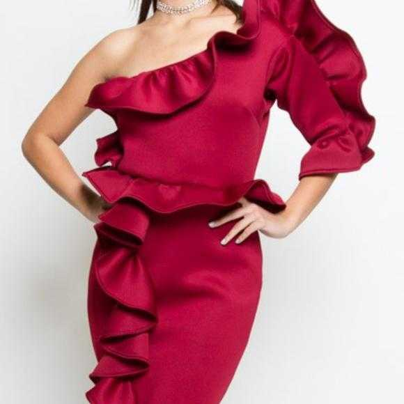 GLAMOUR GIRL BURGUNDY DRESS | MODA ME COUTURE