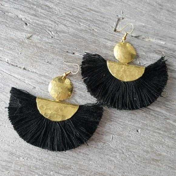 Boho Beauty Tassel Fan Earrings-Jewelry-Moda Me Couture