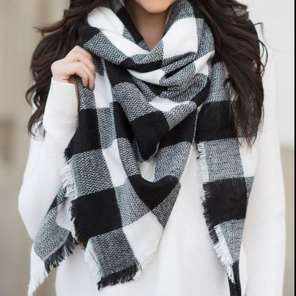Tres Chic Oversized Blanket Scarf - Black & White