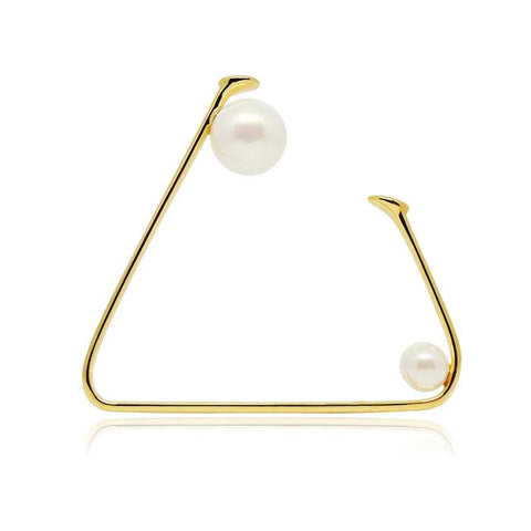 Devotion Triangular Pearl Bracelet in 18k Gold - ThEyes On