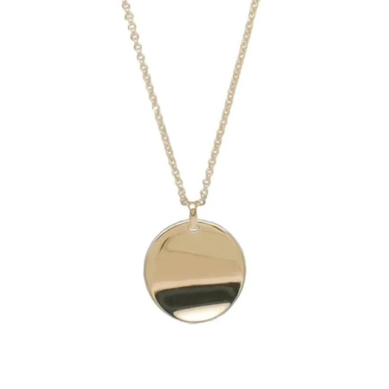Adoring Curved Disc Necklace in 18k Gold - ThEyes On