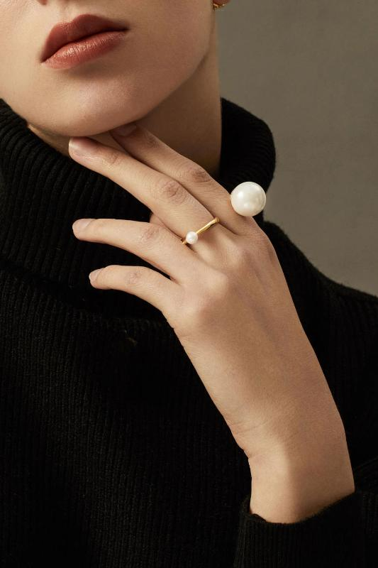 Devotion Double Ring in Rh 925Silver and Grey Pearl - ThEyes On