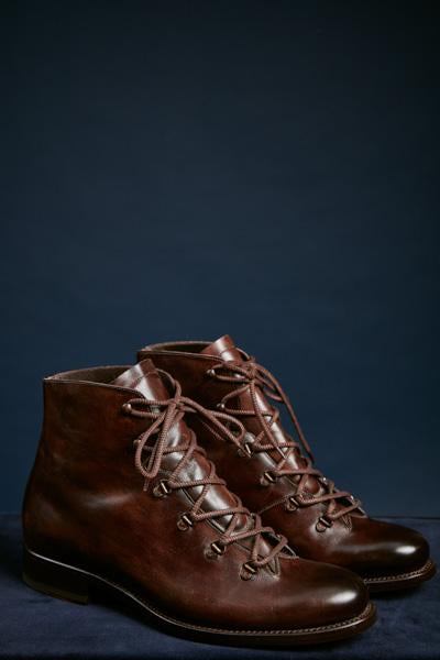 Lace-up Brown City Walking Boot