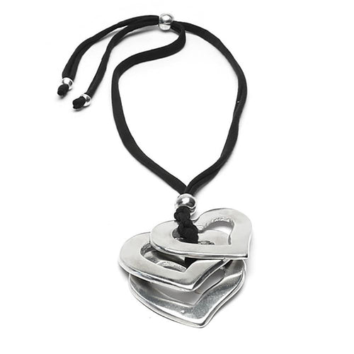 3 Coeurs - three heart shapes interconnected Necklace
