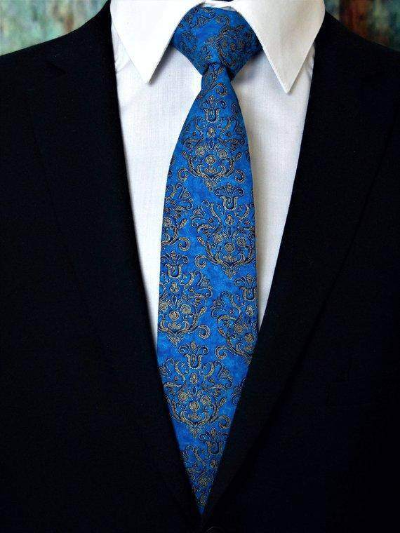 Classic Mens Blue and Gold Necktie