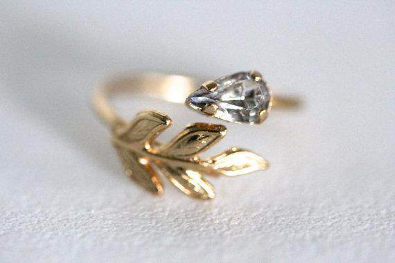 Crystal Clear Vintage Inspired Leaf Ring