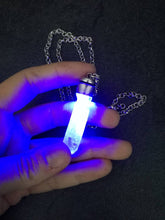 Kyber crystal pendant with light- BLUE - Geek And Artsy
