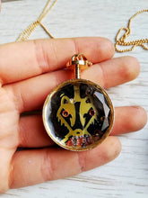Hufflepuff badger necklace, harry potter necklace - Geek And Artsy