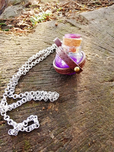 Dungeons and dragons purple potion vial - Geek And Artsy