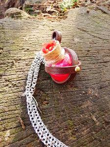 Dungeons and dragons red potion vial necklace - Geek And Artsy