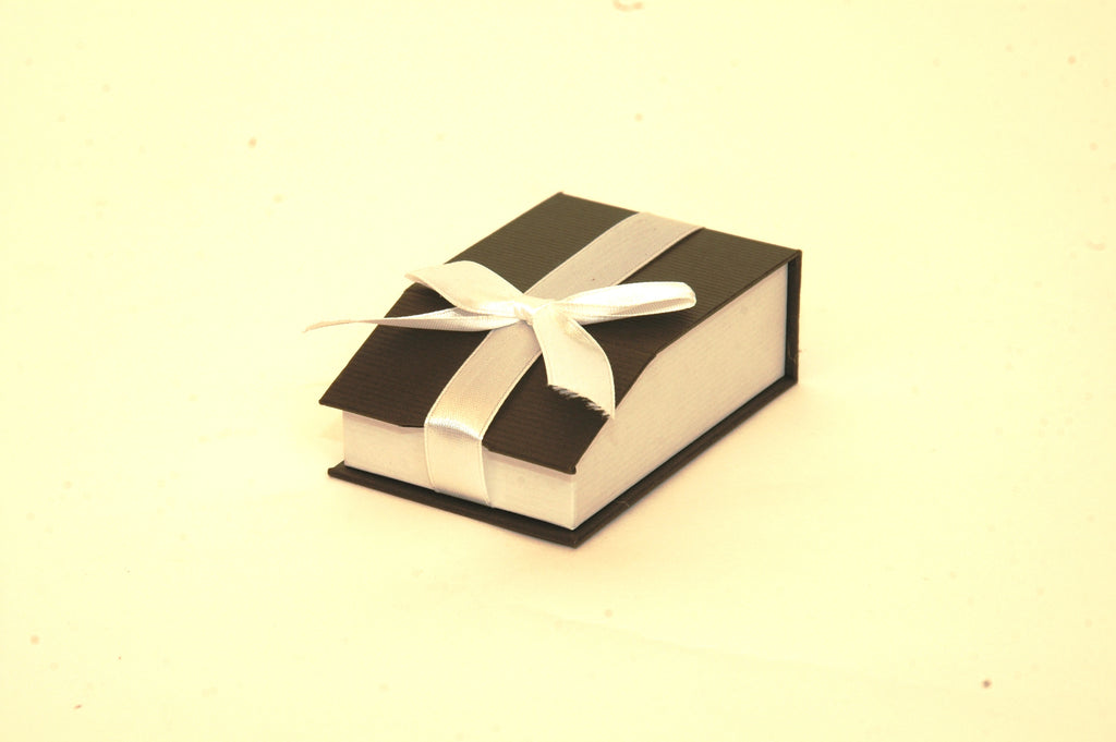 MAGNETIC RIBBON PAPER BOX BLACK- SMALL PENDANT Box of 36