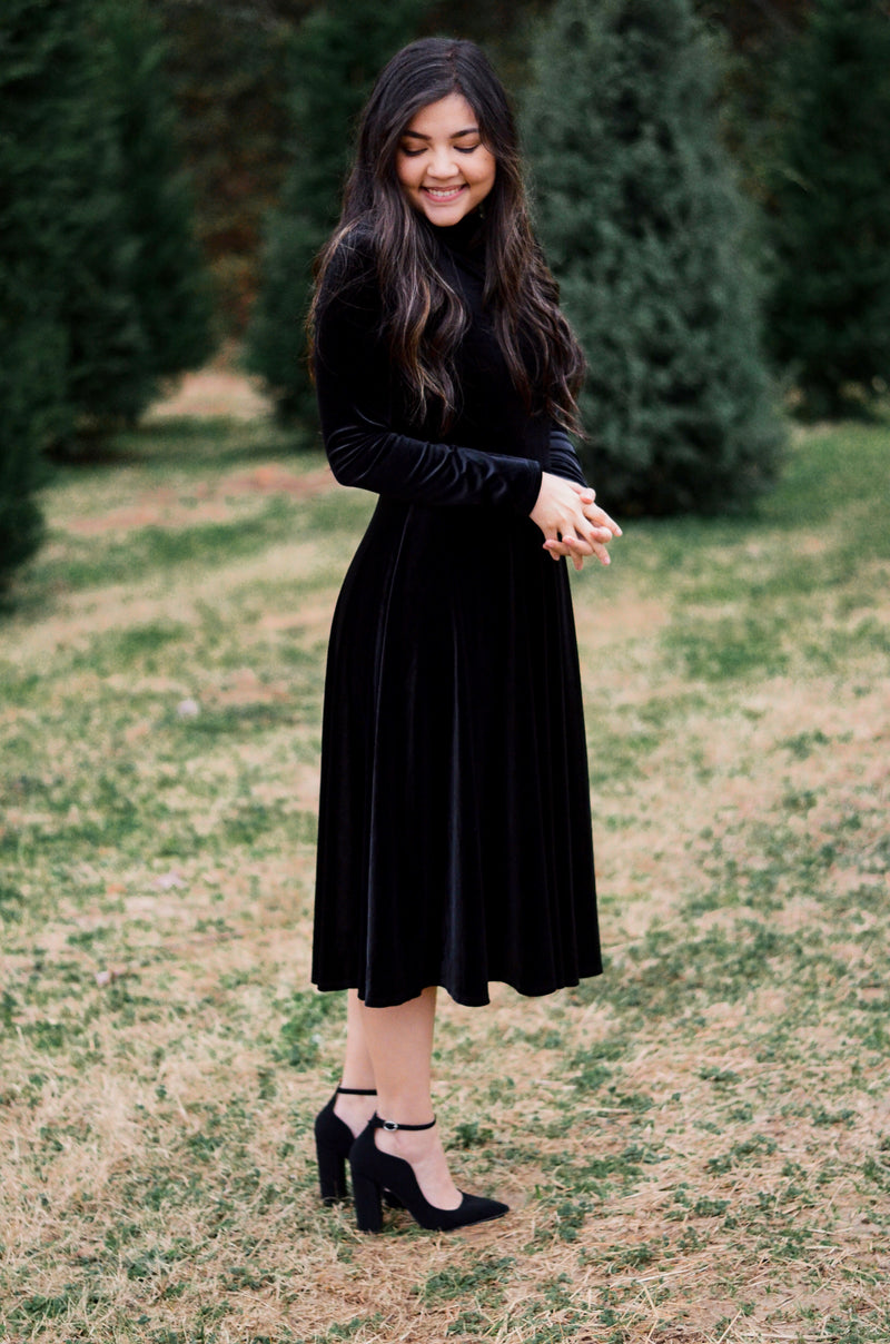 The December Days Midi Velvet Dress
