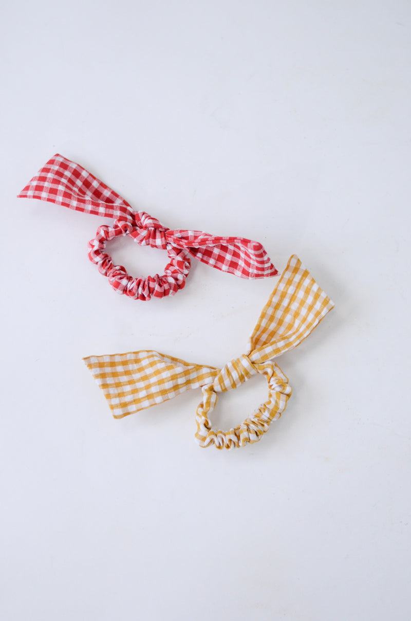 The Gingham Scrunchie Set