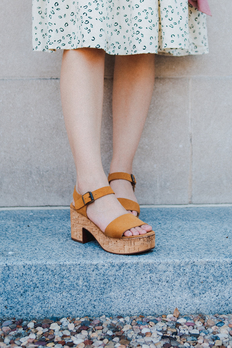 The Tucson Woven Flats in Sand
