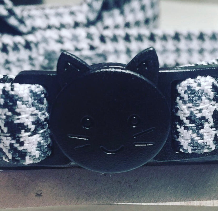 Grey Mini Dogtooth Cat Collar