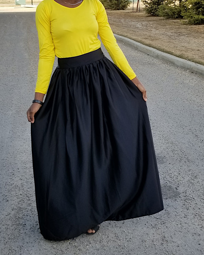 Ball Skirt in Polished Black