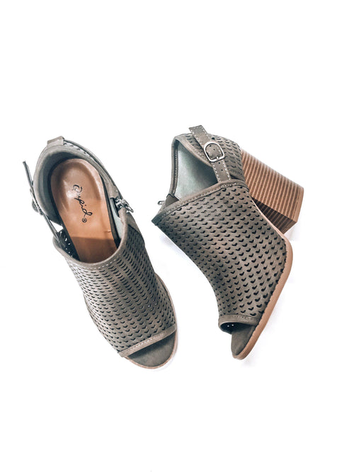 The Delaney-Women's SHOES-New Arrivals-Runway Seven