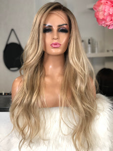 Britney - Illusion Full lace / 24 inch / 150 % volume / Virgin hair