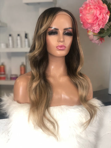 Aline - illusion Full lace  / 18 inch / 130 % Volume / small-medium  / Virgin Hair