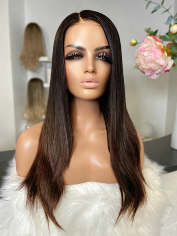 Theresa - Glueless Full cap / 20 inch / 180 % Volume / European hair