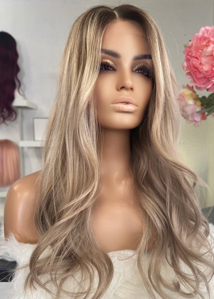 Vivianne - Glueless full cap   / 24 inch / 130% volume / European Hair