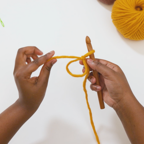 Learn how to crochet a magic ring