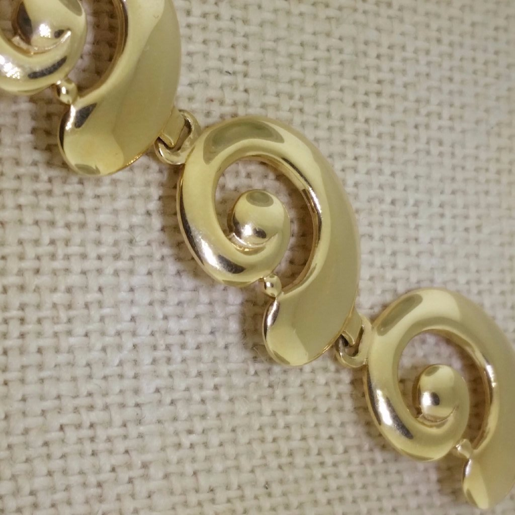 14k Solid Yellow Gold Swirling Pattern Bracelet
