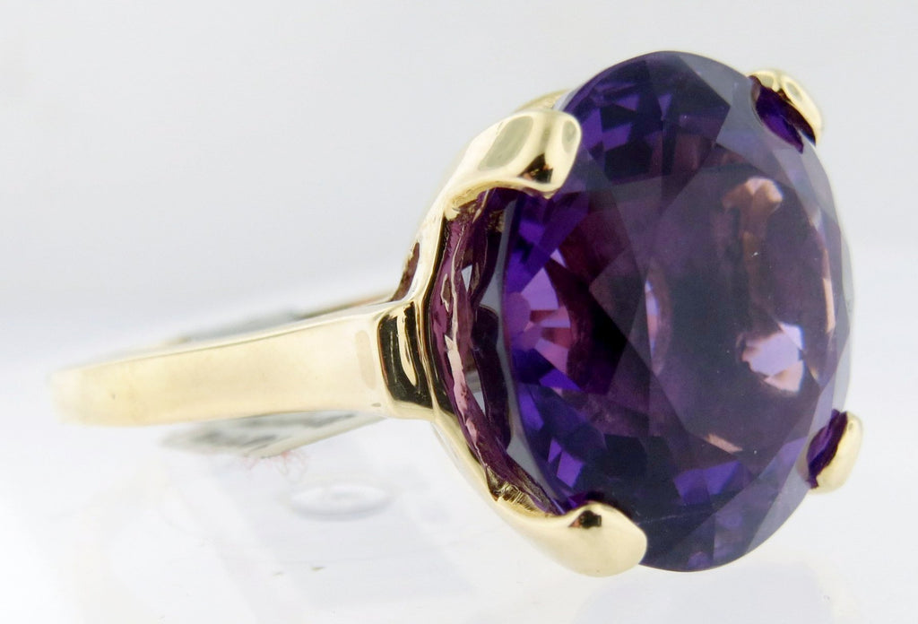 Vintage 14k Yellow Gold 10 Carat Amethyst Cocktail Ring