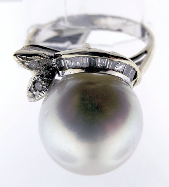 18k White Gold Large Silver Pearl Ring With Diamonds