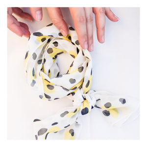 Queen Bee summer scarf