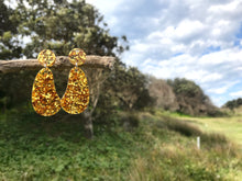 Load image into Gallery viewer, Organic Glitter Drop Gold - Mikmat Designs
