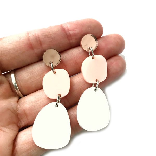 Orbits Earrings White and Rose