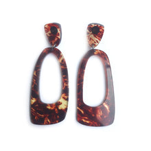 Load image into Gallery viewer, Oval Hoops Tortoise Shell - Mikmat Designs