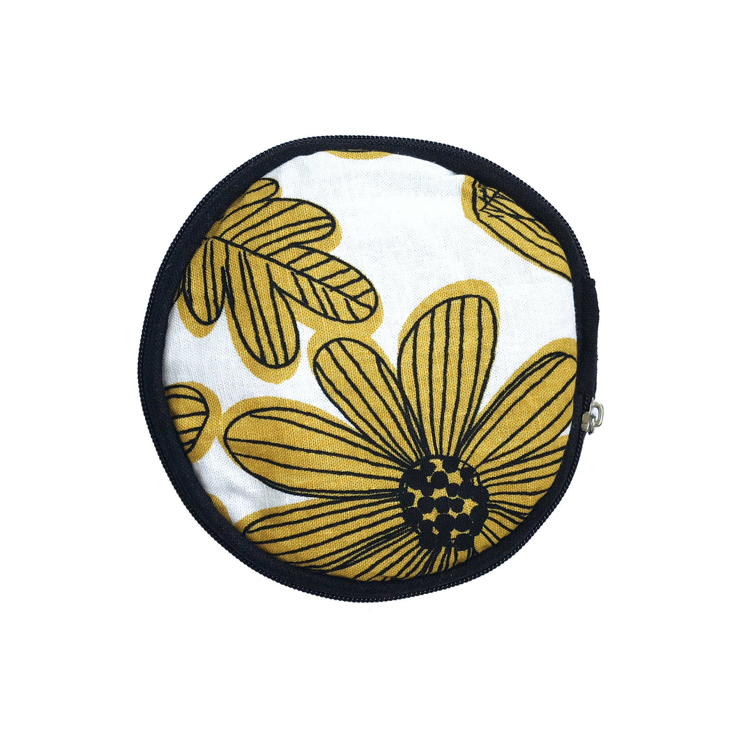 Round Jewellery Roll in Yellow Flower Linen - Mikmat Designs