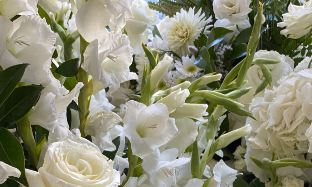 Bouquet For Wedding All White Wedding Floral Style Advice Blog Image