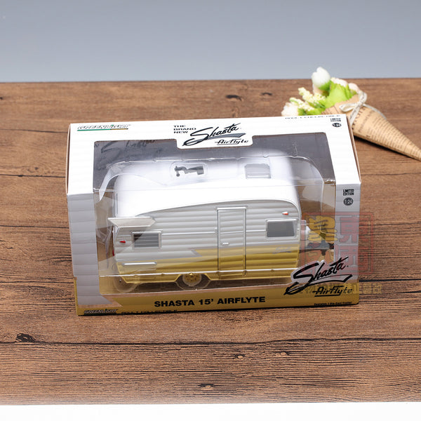 GreenLight 1:24 Shasta 15' Airflyte - White and Yellow Diecast Model Car 18235