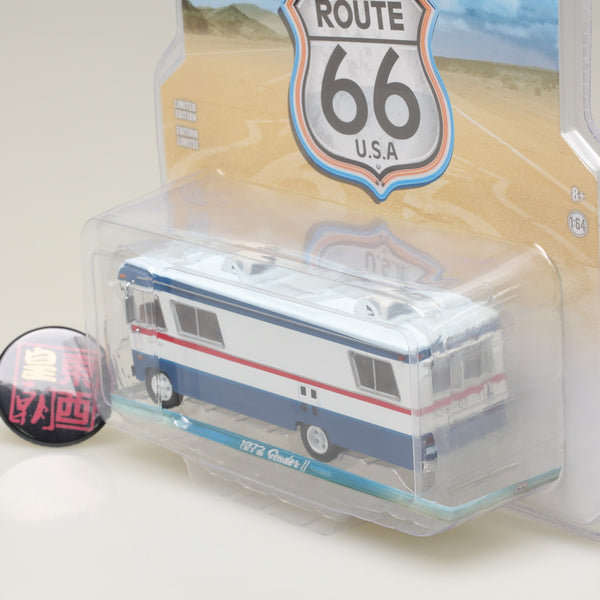 GreenLight 1:64 H.D. Trucks Series 9 - 1972 Condor II RV - Red, White and Blue Diecast Model Car 33090-A