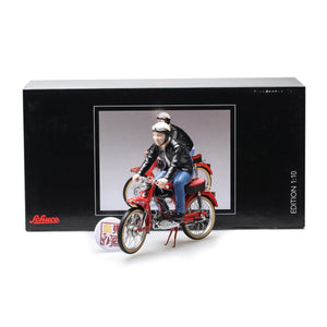 SCHUCO 1:10 Victoria Avant with rider Diecast Model Car 450666600