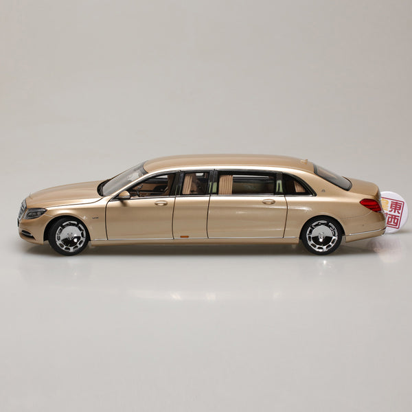 AUTOart 1:18 MERCEDES-MAYBACH S 600 PULLMAN (GOLD) 76298