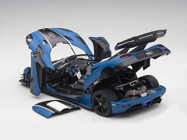 AUTOart 1:18 KOENIGSEGG ONE : 1 (MATT IMPERIAL BLUE/CARBON BLACK/WHITE ACCENTS) 79018