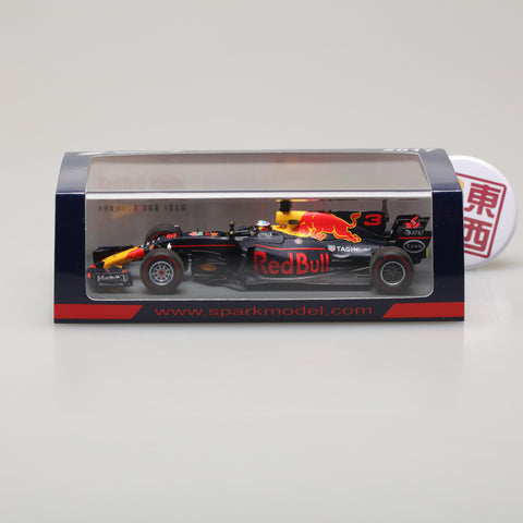 SPARK 1:43 Red Bull Racing #3 Winner Azerbaijan GP 2017 D.ricciardo S5047