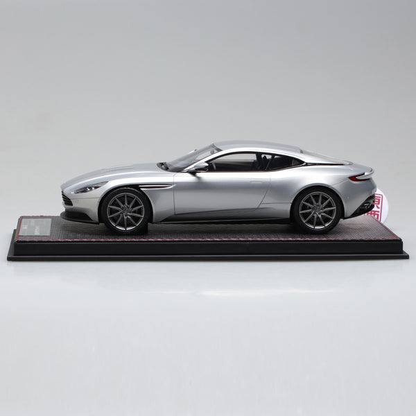 Frontiart Sophiart 1:18 Aston Martin DB11 Silver Resin Model Car SA004-01