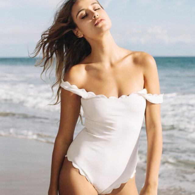 c1e58a7198b86 White One Piece Swimsuit Scalloped Swimwear Backless Fashionable Bathing  Suit For Woman