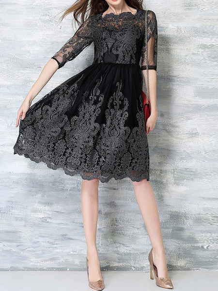 Lace Embroidered Slim Fit 3/4 Sleeves Party Prom Dress
