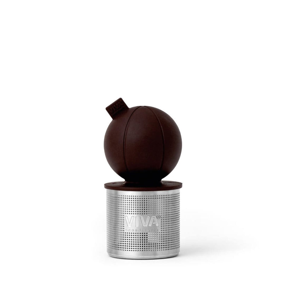 Floating-tea-strainer-royal-bordeaux